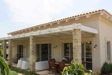 Beautiful private house - Beit Herut - Villa