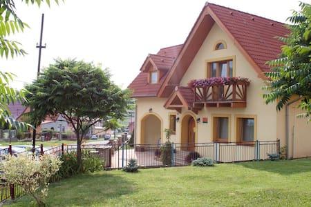 Žltý dom Vrbov izba č. 3