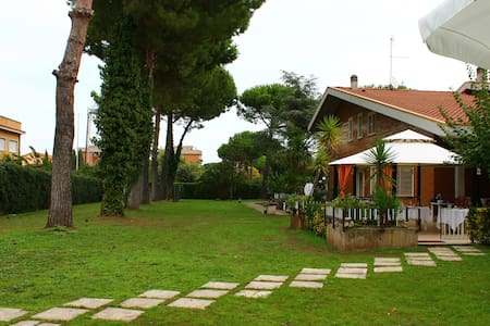 B&B The house music 3 seats - Rom - Villa