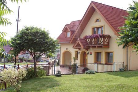 Žltý dom Vrbov izba č.1 - Huis