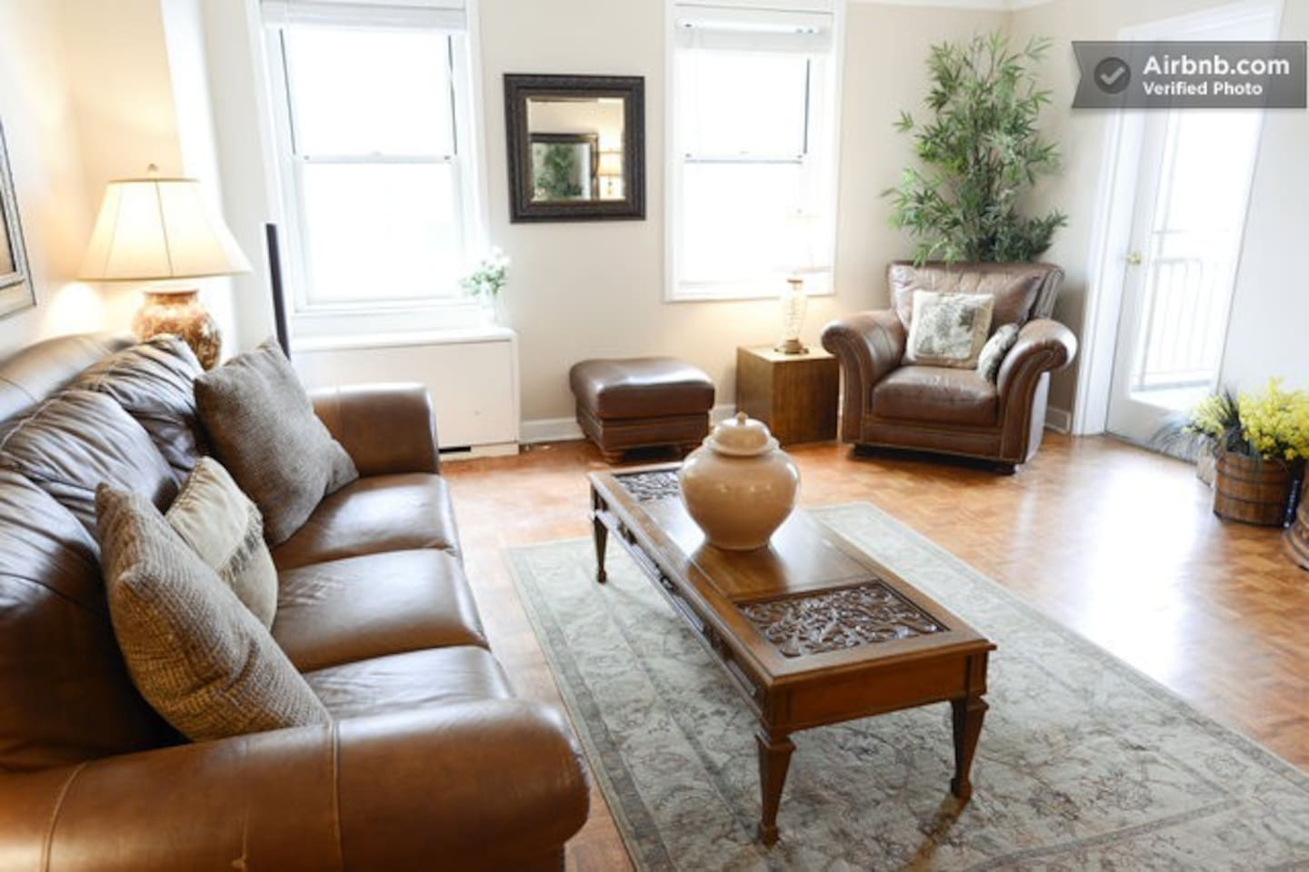 Spacious living room with seating for 5