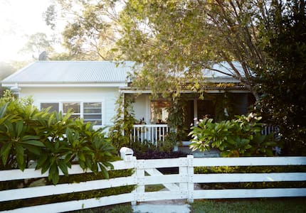 The Roost Pretty Beach (Pet Friendly) - House
