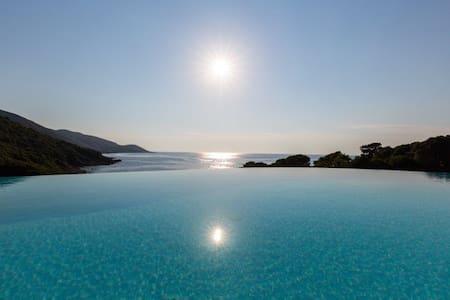 Maison Méditerranéene en Corse du Sud - Calcatoggio - Villa