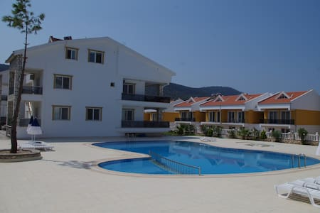 2 bedroom apartment with pool - Apartment