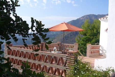 Casa rural con magnificas  vistas - Frigiliana - Huis