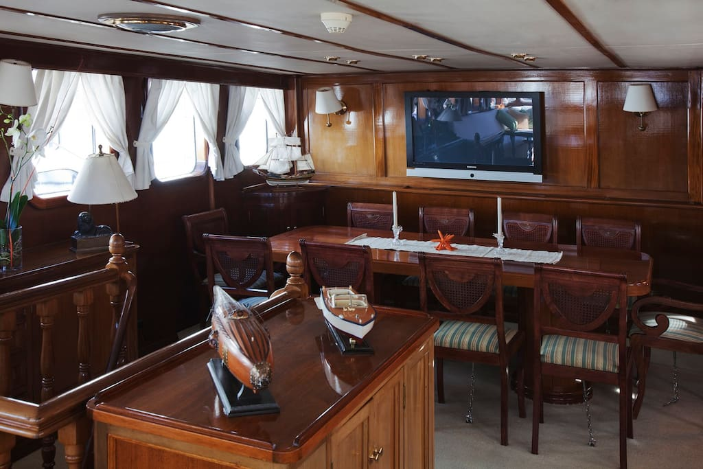 Sleep in a luxury Scottish yacht