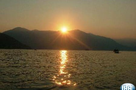 Charming Studio with Lake Iseo view - Appartement