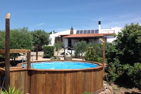 Confortevole casa di campagna con piscina - Nulvi