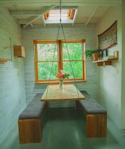 Unique Hand-built Cabin in the City - Asheville - Casa