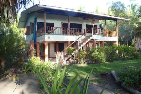 COZY BEACHFRONT HOME, ZANCUDO BEACH