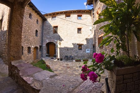 Casa rural en el Pirineo catalán - Estac - Bed & Breakfast