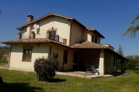 Stanza in Villa in Sabina