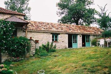 Maison typique Quercynoise avec piscine privée - Ev