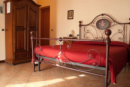 In the Heart of Tuscany! - Montale - Bed & Breakfast