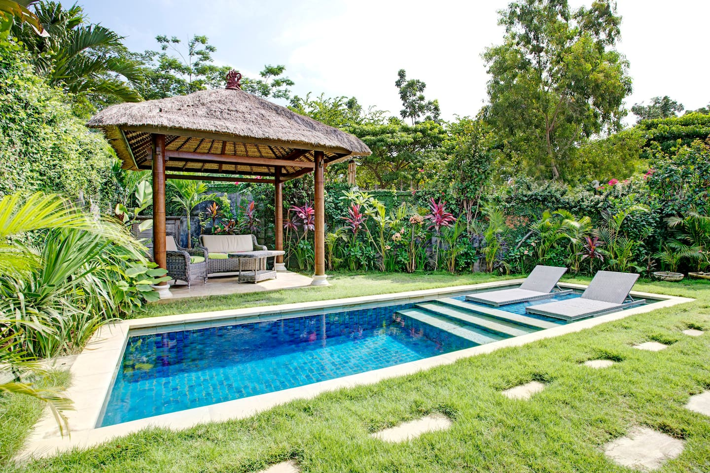 Studio Style Villa w Pool for 3 pax