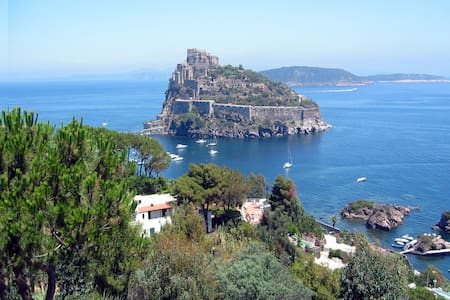Ischia B&B close the sea  with pool - Bed & Breakfast