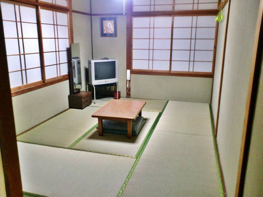 Tatami room 和室 (max 3persons)