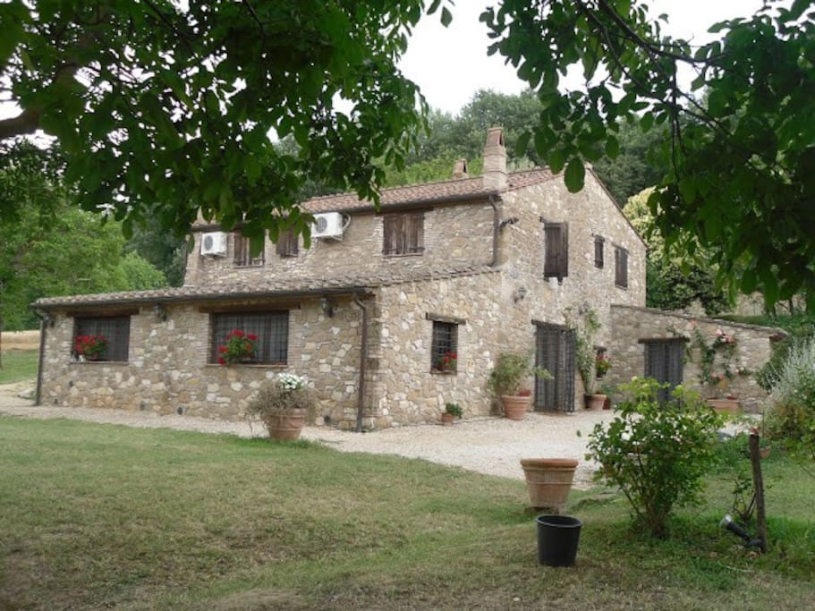 Ancient farmhome in Umbria country