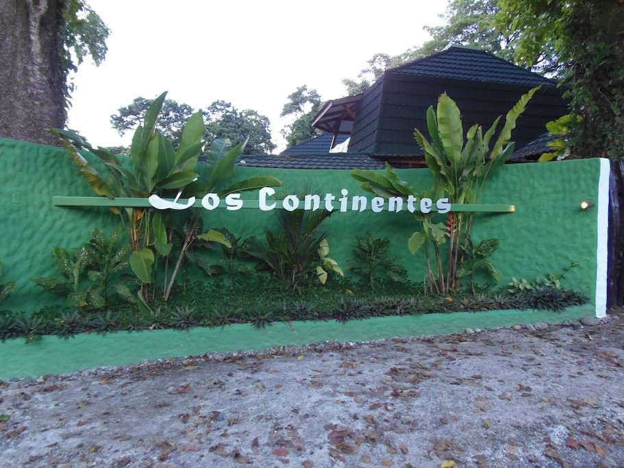 Los Continentes- green tranquility