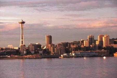 Waterfront Junior Penthouse - Seattle - Condominium
