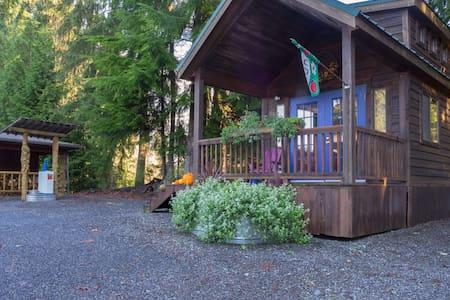 Burl Wood Tiny Home - Monroe