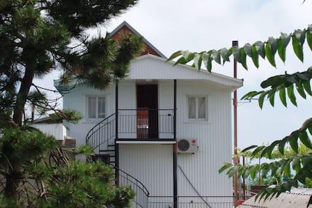 """Гостевой дом """"Чайка"""" - Tuapse - Gæstehus"""