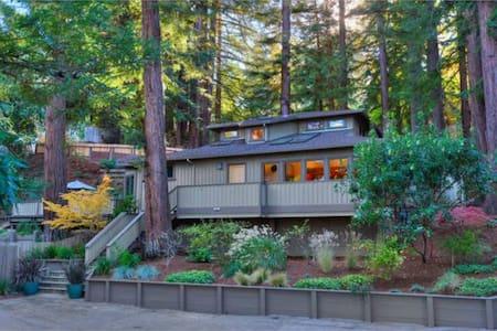 Superbowl: car + 2-story home - Ház