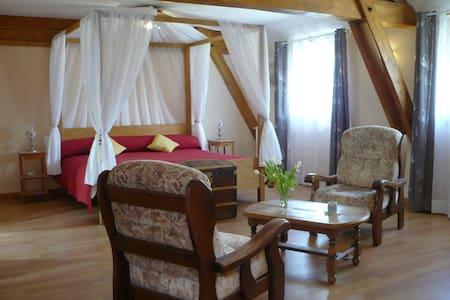 Chambre ROMANTIQUE en Périgord Noir - Bed & Breakfast