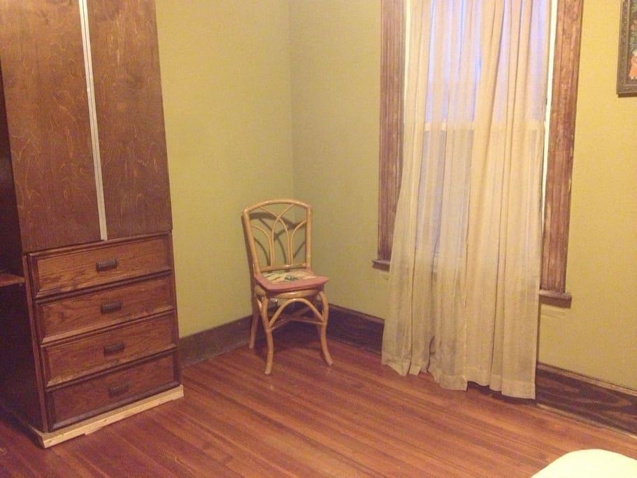 Nice room in historic Queens