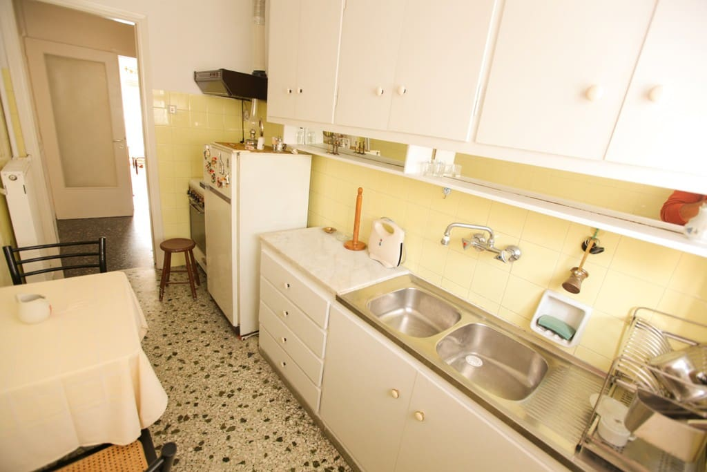 A Homely 2 Bedroom Apt in Piraeus