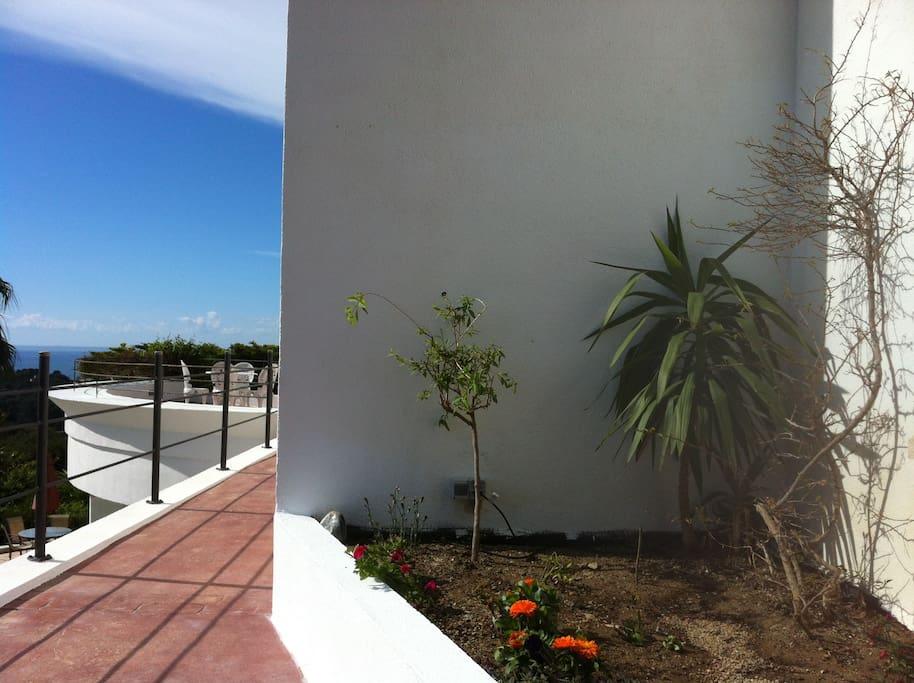 Mini-estudio in villa with view(1)