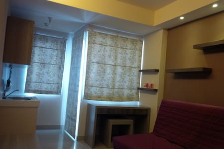 Sudirman Suite Studio Room for 1-3 - Apartemen