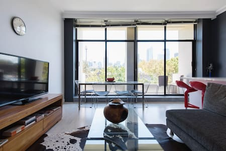 Spacious modern apartment with city views - Woolloomooloo - Apartment