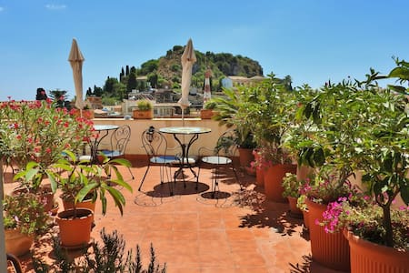 """B&B Cielo di Taormina"" - Bed & Breakfast"