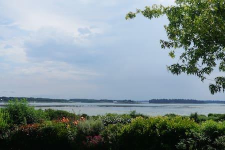 2 chambres vue exceptionnelle Golfe du Morbihan - Hus