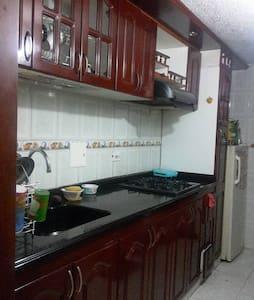 Arriendo Habitación persona sola - Bogotá