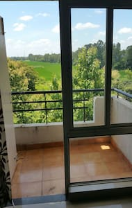 Garden view.Easy parking.private - Appartement