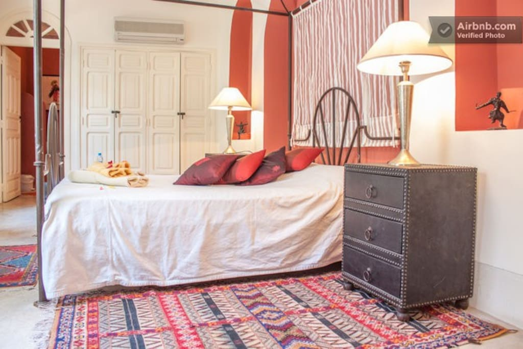 YOUR ROOM IN A RIAD - B&B + WIFI 1