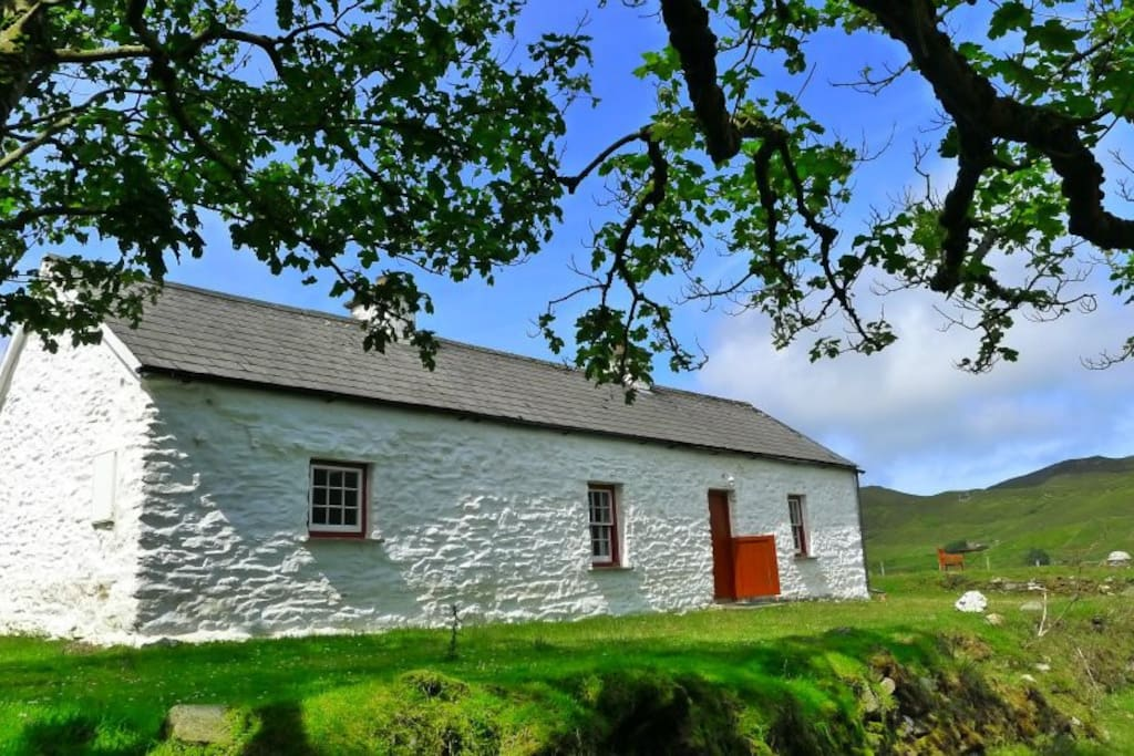 traditional Donegal coastal cottage in private location with great views over the lough!