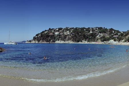 COSTA BRAVA, Beach 5 min. walk, hiking tours,Heura - House