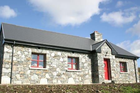 Cottage 210 Clifden - Clifden - Bungalo