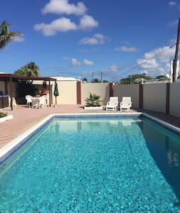 Vacation Home! Big Pool Area! Beaches&Center Near! - Oranjestad - Casa
