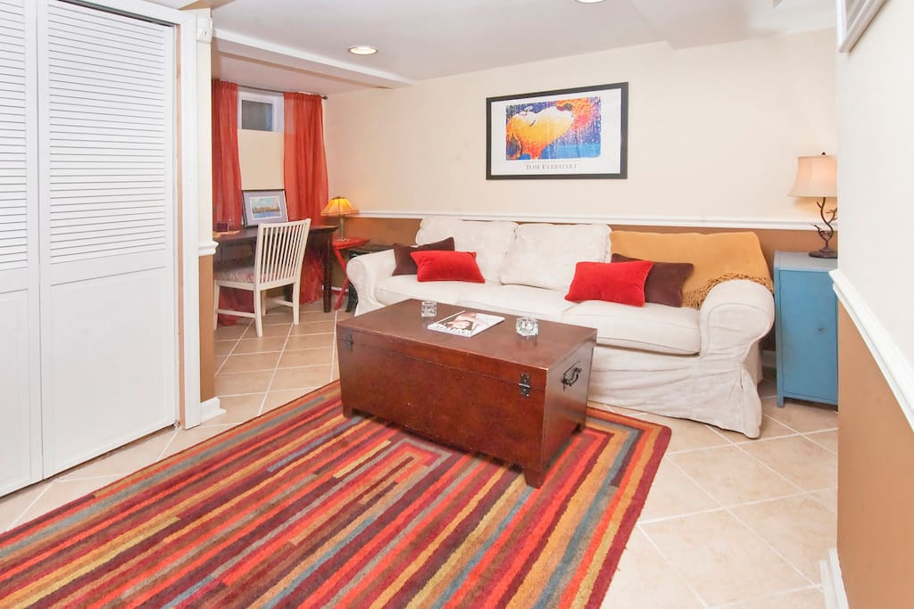 Three or four can lounge or watch television in the living room. Cable service is included with your stay.