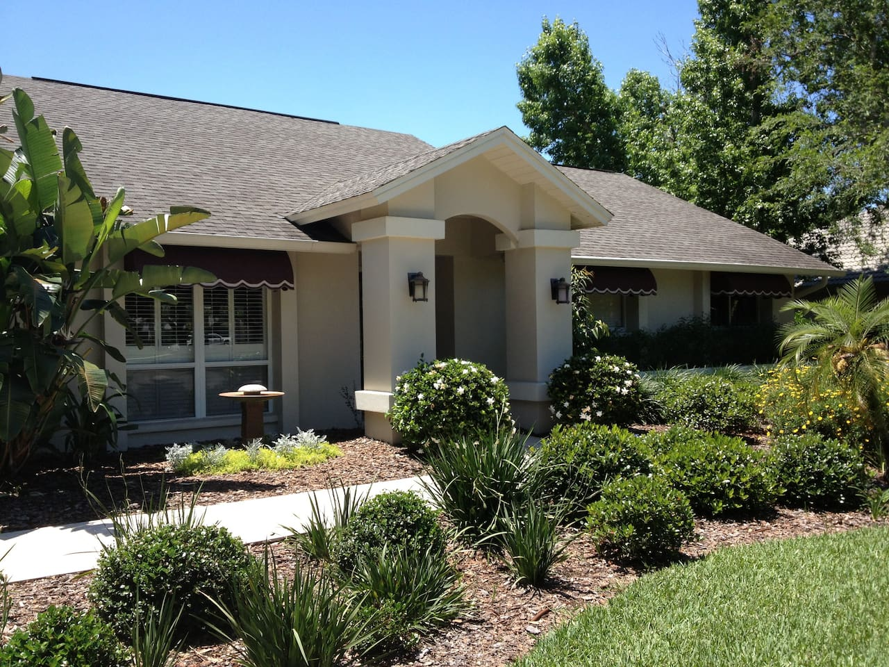 4 BR home not far from beaches, Disney, and near lots of golf