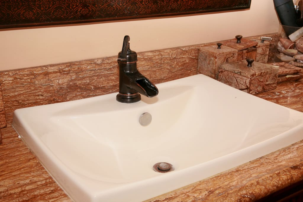 master bedroom bathroom sink