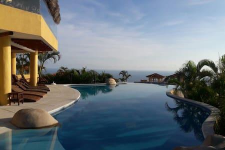 ACA BRISAS DESIRE, THE DREAM VIEW - Acapulco - Haus