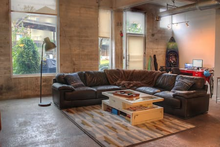 Hip Historic Loft, Perfect Location - Atlanta - Loft