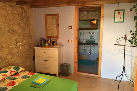 Room with separate entrance - Haus