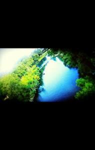 River Apt w/River Access Pool - Lägenhet