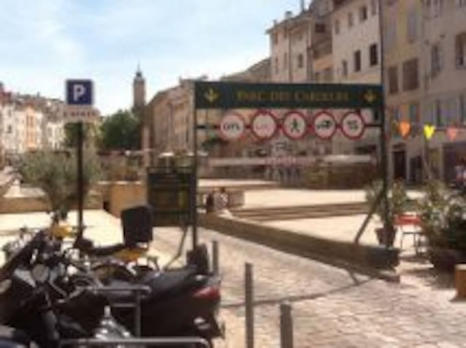 Cosy flat with parking, Aix center